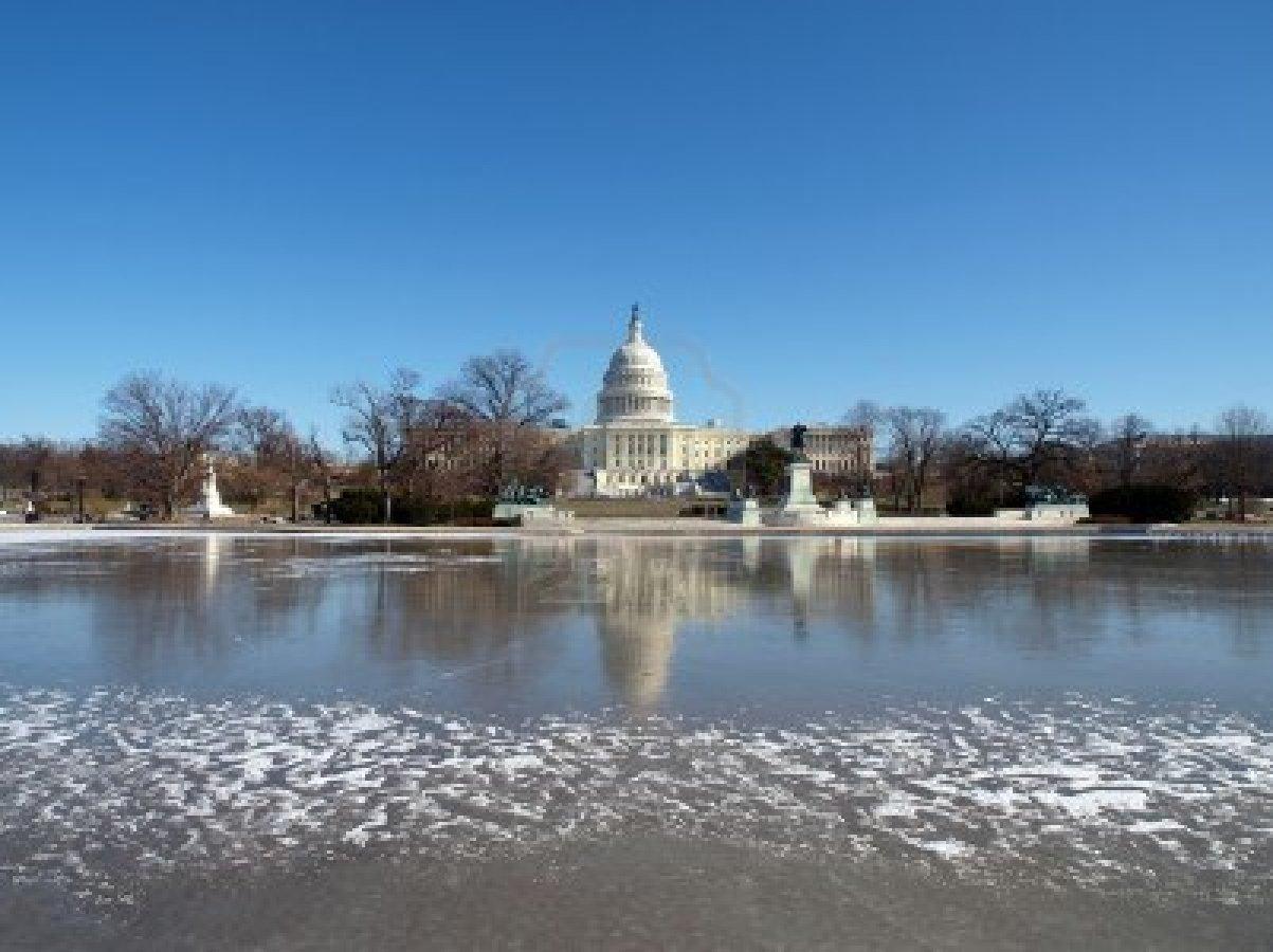 8971177-washington-dc-usa--january-10th-2010--frozen-united-states-capitol-building--winter-in-washington-dc