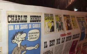 Le rassemblement en hommage aux victimes de l'attentat de charlie hebdo a réuni plus de 10.000 personnes à Lyon. images : Farouk Atig/Intégrales Productions