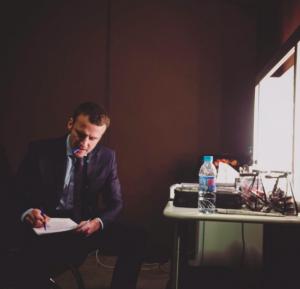 Macron peu avant son meeting du 10 décembre à Paris. Photo issue de son compte Instagram.